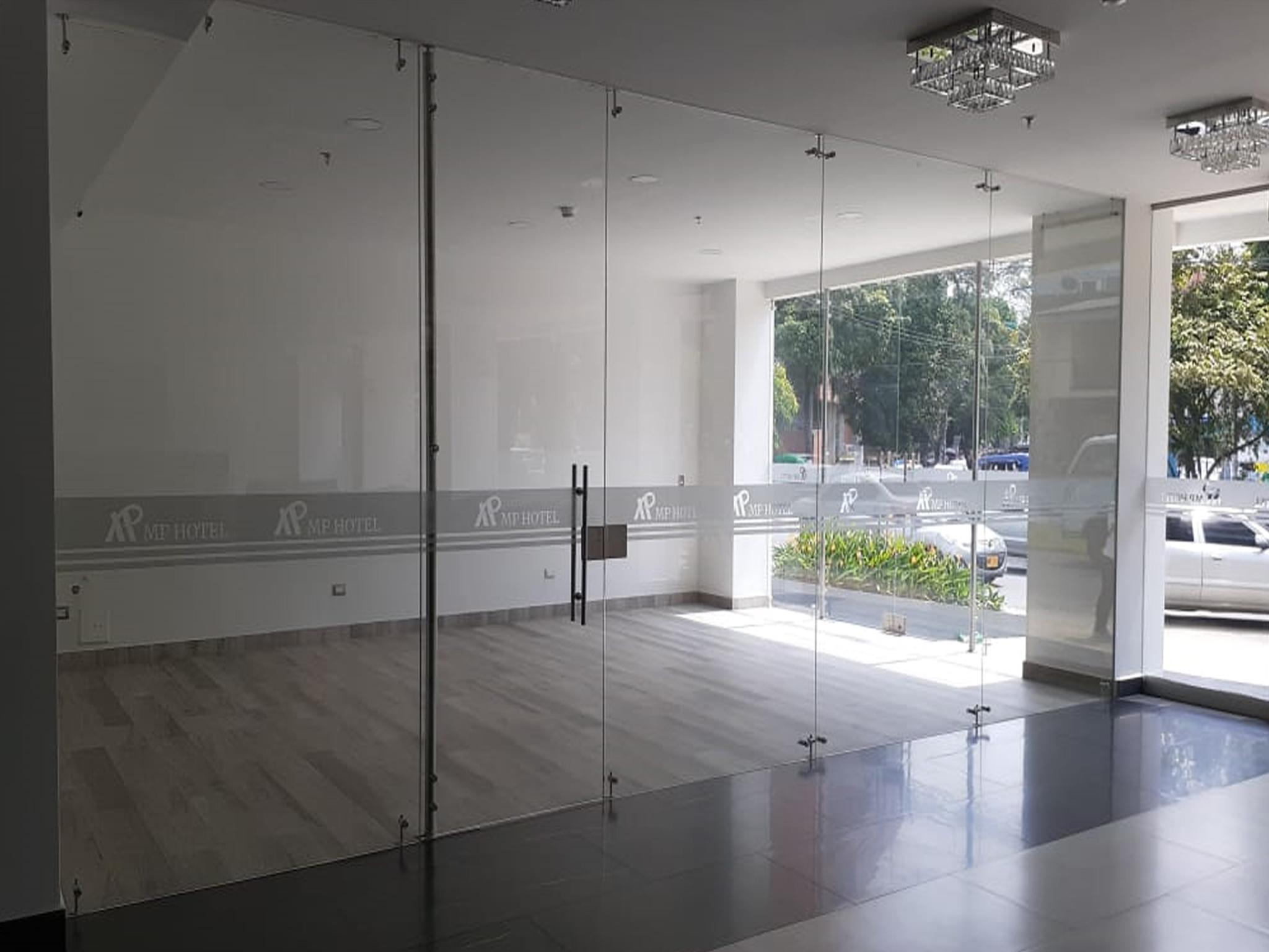 salon comercial 2