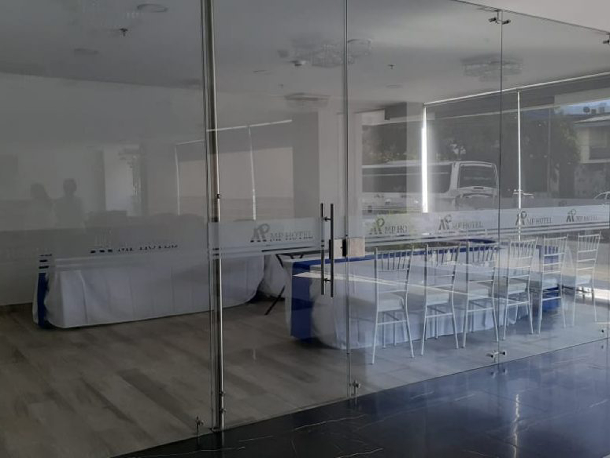 salon comercial